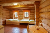 Prostorné světlé pokoje ve srubu u Peteho v Adršpachu