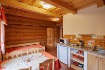Vlastní kuchyň s potřebným vybavením pro delší pobyt v Adršpašských skalách